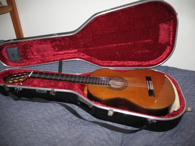 1988 Joaquin Garcia Classical Guitar case